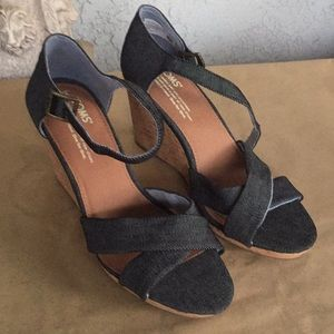 Toms wedges size 8 with 3 inch heel New